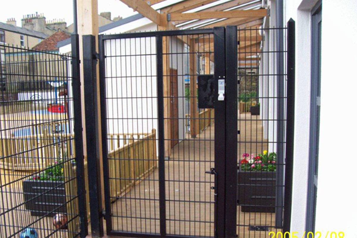 Childrens Centre Fencing & Gate